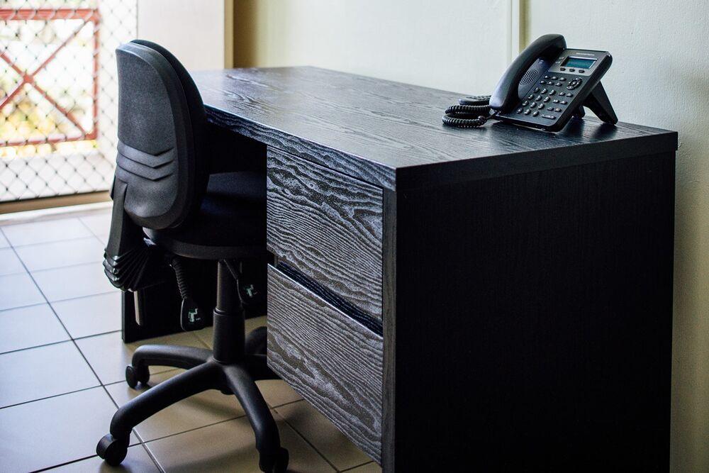Basic Studio Desk
