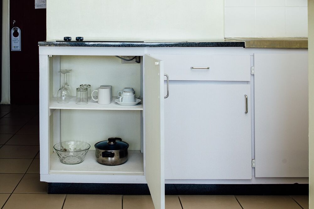 Basic Studio Kitchenette